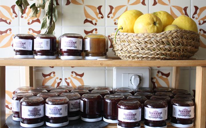 Hilos y madera: mermelada de fresa